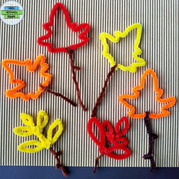 Pipe Cleaner Autumn Leaves